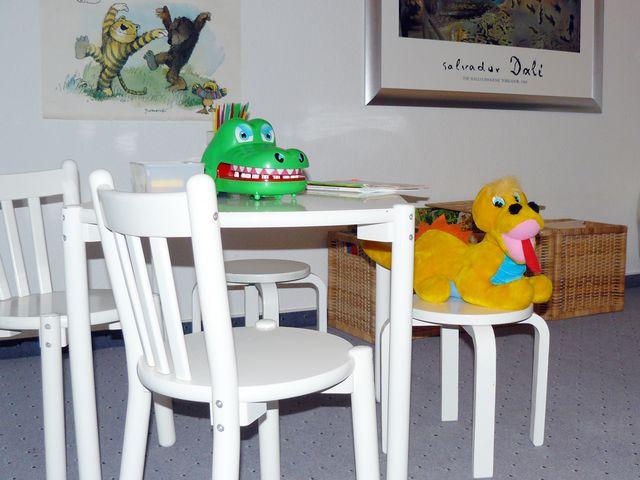 Sie sehen sich Bilder der Zahnarztpraxis Hahne an. Unsere Praxis